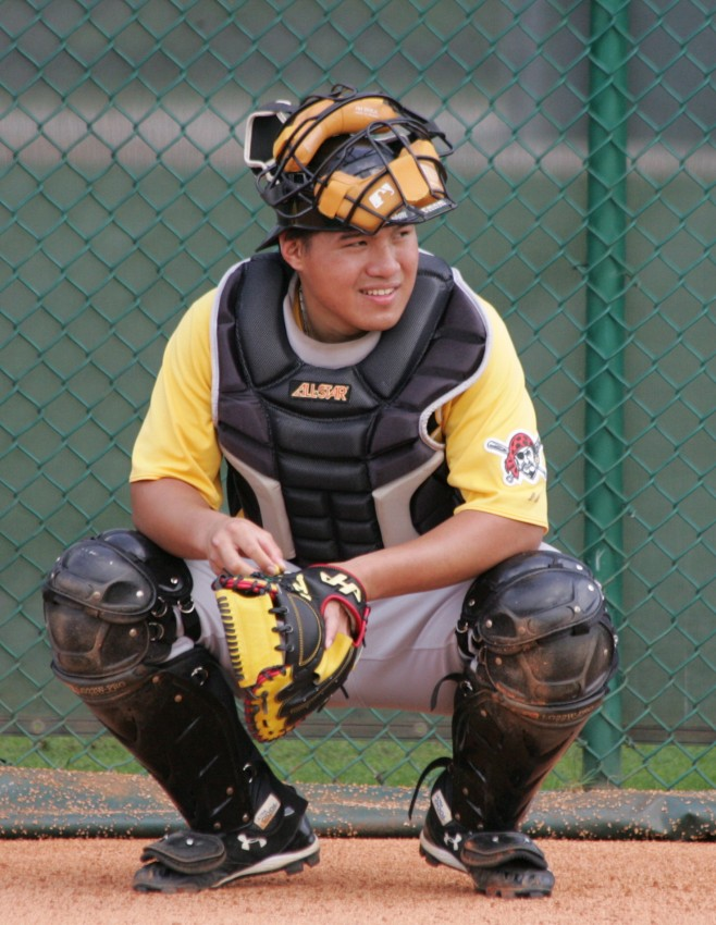 Jin-De Jhang has the potential to be a two-way catching prospect.