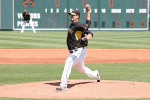 Charlie Morton throwing a sinker in Spring Training.